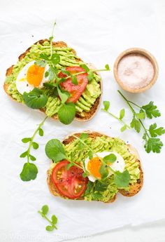 Fancy smashed avocado on toast everyone's favourite yeah? Topped with fresh tomato hard boiled eggs and watercress! Avocado Toast, Smashed Avocado On Toast, Brunch Recipes, Healthy Dinner Recipes, Healthy Foods To Eat, Healthy Eating, Food Trends, Clean Eating Snacks, Hard Boiled