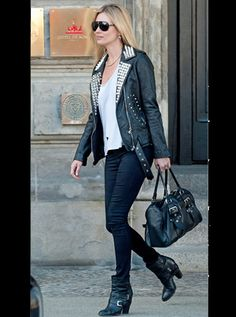 Kate Moss- Black + White