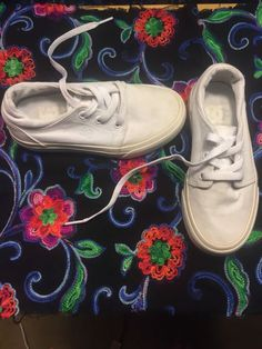 purchase cheap e08c3 ea264 DC White Lace Up. Size 12 Youth  fashion  clothing  shoes  accessories