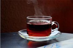 Foto zum Beitrag: Mit Kräutertees Erkältungen vertreiben. Eine heiße Tasse Tee - gerade in der kalten Jahreszeit eine Wohltat.