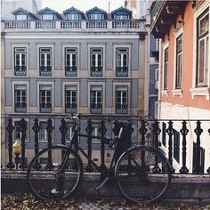 The #CityBikes challenge is giving birth to some amazing pics. Check this one by @catarinakeys in #Lisbon. Who's next? #picoftheday #city #portugal