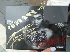 [HD photos] Kim Hyun Joong Fansign event for ROUND 3 8-20-2013 c: @hyunbar66