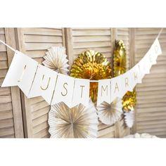 Slinger Just Married wit-goud   gold wedding   gouden bruiloft   Shop bruiloft decoratie goud bij www.weddingdeco.nl