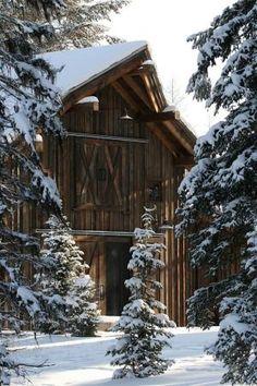 Celeiro velho no inverno por AislingH