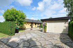 Østre Paradisvej 44, 2840 Holte - Familievilla til mindre, men pladskrævende børnefamilie - nem og solrig have