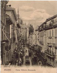 Corso Vittorio Emanuele, 1915 circa. Come avrà fatto il fotografo a scattare quest'immagine? A sinistra manca ancora tutto il complesso della Galleria del Corso.