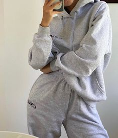 Lazy Outfits, Trendy Outfits, Summer Outfits, Girl Outfits, Cute Outfits, Fashion Outfits, Lounge Outfit, Lounge Wear, Looks Style
