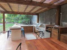 Outdoor kitchens you can build on a very small budget Outdoor Rooms, Outdoor Tables, Outdoor Decor, Gazebo On Deck, Pergola, Best Kitchen Designs, Kitchen Doors, Outdoor Kitchen Design, Barbecue Grill