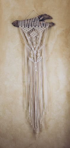 Bohemian Macrame Wall Hanging on Driftwood от macrameforest