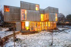 Huset til Ingrid og Joakim har ikke bare tre i vegger, tak, hyller og skap. Det har også grener.