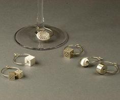 srebrne zawieszki na kieliszki WINE SIGNS