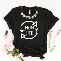 594ba589f3517 Mom Life Maternity Shirt Women Tee Pregnancy Announcement Shirts New Mom  Baby Bump Tee Graphic Mom T-Shirt New Mama Gift With Saying Mother