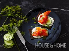 Arctic Char Gravlax With Horseradish Cream - Best hors d'oeuvres for holiday parties. Gravlax Recipe, Pasta Recipes, Dinner Recipes, Arctic Char, Horseradish Cream, Hors D'oeuvres, Cooking Instructions, Fish Dishes, Popular Recipes