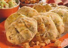 Škvarkové placky - Recepty na každý den Apple Pie, Desserts, Food, Tailgate Desserts, Deserts, Essen, Postres, Meals, Dessert