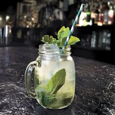 How to make a mojito like a pro (well it is international rum day)