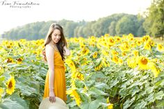 Sunflower Field Session #photography #sunflowers #senior #summer