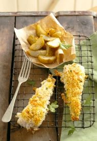 Fish with garlic crumb topping Fresh Lobster, Fresh Seafood, Fish And Seafood, Easy Weekday Meals, Easy Weeknight Dinners, Fish Recipes, Seafood Recipes, Kos, Diet