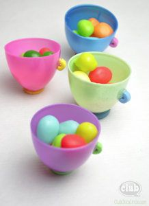 Easy Easter Teacups- a quick and simple Easter craft for kids