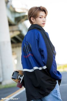 Stray Kids - Felix photoshoot by Naver x Dispatch. Lee Min Ho, Felix Stray Kids, Jooheon, Kid Memes, Lee Know, Agatha Christie, Kpop Boy, Boyfriend Material, Freckles