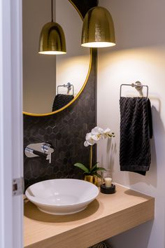 Gold Coast Influencer Katie Dixon shares her top style tips for designing and decorating your home on a budget Powder Room Decor, Powder Room Design, Guest Toilet, Downstairs Toilet, Bathroom Styling, Bathroom Interior Design, Laundry In Bathroom, Small Bathroom, Modern Powder Rooms