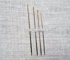Crewel Embroidery Tutorial 5 Things to Know About Hand Embroidery Needles - find out why you aren't supposed to lick your thread when you thread your needle Embroidery Needles, Hand Embroidery Stitches, Silk Ribbon Embroidery, Crewel Embroidery, Embroidery Techniques, Cross Stitch Embroidery, Machine Embroidery, Embroidery Designs, Embroidery Tools
