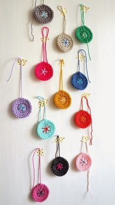 ingthings: Just talking about crochet and nothing..  crochet necklace pendants