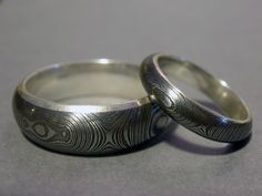blacksmith forged rings - www.hawkforge.com Damascus Ring, Damascus Steel, Blacksmith Forge, Blacksmith Projects, Viking Jewelry, Metal Fabrication, Metal Crafts, Beads And Wire, Blacksmithing