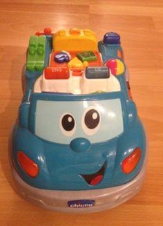 www.mamikreisel.de - Chicco: Lern-Auto Happy Holiday mit Musik in Sprache DE & EN