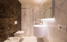 Palazzo Garzoni Moro - moderne Apartments im Herzen von Venedig Flooring, Bathroom, Apartment, Calacatta, Toilet, Bathtub