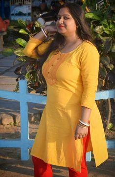 Beautiful Women Over 40, Beautiful Girl Indian, Most Beautiful Indian Actress, Beautiful Girl Image, Arabian Beauty Women, Indian Actress Pics, Indian Girls Images, Thing 1, Stylish Girl Pic