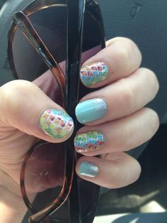 Loving this fun Jamberry Nail Wrap Combo 'Chameleonaire' and 'Iced'.
