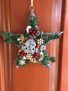 Karácsonyi dekoráció (Ajtódísz-kopogtató)