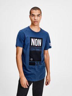 Slim fitting T-shirt T Shirt Logo Design, Free T Shirt Design, Tee Shirt Designs, Boys T Shirts, Tee Shirts, T Shirts For Women, Mens Half Sleeve, Athleisure, Bermuda