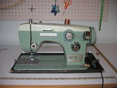 A Sewing Life: A Wee Green Machine (BAM Consew zigzag sewing machine)