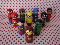 super hero peg dolls.....so freakin cute! Have to make these.