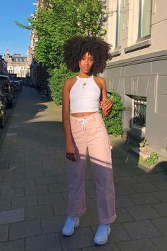 To produce a look which never goes out of style, mid calf the company for ladies. #Brownanklebootsoutfit Cute Summer Outfits, Cute Outfits, Cargo Pants Outfit, Girl Outfits, Fashion Outfits, Boot Outfits, Fashion Trends, Vetement Fashion, Poses