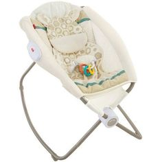Sooth your baby to sleep with the Fisher-Price Deluxe Newborn Rock 'n Play Sleeper. This easy to fold and go baby rocker helps baby's with colic feel more comfortable at a great angle. Baby Cradle Swing, Baby Swings, Rock N Play Sleeper, Levtex Baby, Baby Rocker, Baby Bouncer, Baby Online, Infant Activities, Fisher Price