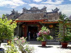 In Vietnam uralte Tempel besuchen und sich mit Luxus und Wellness verwöhnen lassen. Mehr Infos: http://www.itravel.de/Vietnam/Luxus-und-Entspannung-in-Vietnam/5952/?utm_source=Pinterest&utm_medium=Socialmedia&utm_campaign=Pinterest