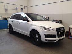 Car wrapping Audi Q7 white carbon