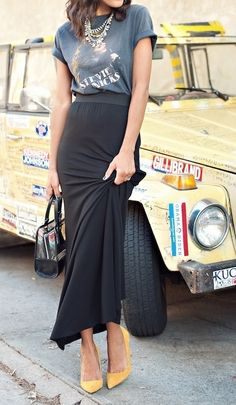 high - low. maxi skirt with grey tee and yellow pumps. Love the combination of elegance and casualness.
