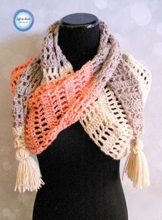 This modern and stylish scarf will take you from winter to spring! Wear it as a warm scarf or a light shoulder wrap. Made with one skein of Caron Cakes or your favorite worsted weight yarn. Crochet Gratis, Bead Crochet, Crochet Hooks, Crochet Shawls And Wraps, Crochet Scarves, Crochet Clothes, Lace Shawls, Crochet Strawberry, Strawberry Patch