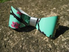 Upcycled AriZona Green Tea Hairbow