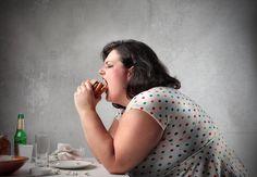 Aumento di peso ingiustificato? Se pensi che sia tutto riconducibile alla dieta che fai, questo articolo ti farà ricredere. Ecco i motivi per cui ingrassiamo, e che non riguardano la nostra alimentazione o le calorie in più.