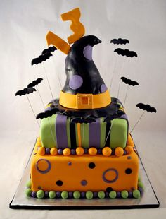Fondant Halloween cake with witch hat and flying bats