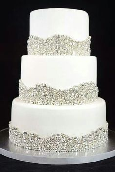 The other bling cake... Nice!!
