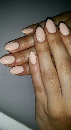 #almond #shape #nude #colour #pearls