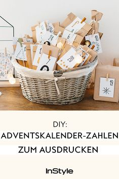 DIY: Advent calendar number templates to DIY: Adventskalender-Zahlen-Vorlagen zum Ausdrucken Do you want to make an advent calendar? Then our advent calendar number templates are perfect for printing. Cozy Christmas, Christmas Books, Christmas Holidays, Xmas, Make An Advent Calendar, Diy Nativity, Calendar Numbers, Ornament Drawing, Beach Wedding Centerpieces