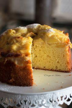 BIZCOCHO DE MANZANA DE LA ABUELA CON CREMA PASTELERA - El toque de Belén Pan Dulce, Le Chef, Cakes And More, Cornbread, Cake Recipes, Recipies, Cooking, Sweet, Ethnic Recipes