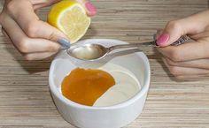 yoğurt limonYoğurt-Limon Peelingi: 1 kaşık limon suyu (taze sıkılmış her zaman en doğru sonucu verir), 4 kaşık yoğurt ve 1 kaşık bal. Yoğurt ve bal karışımının anti bakteriyel bir temizleyici olduğunu da hatırlatalım. Bütün malzemeleri karıştırıp cildinize uygulayın. 10 dakika bekletip sıcak suyla yıkayın.