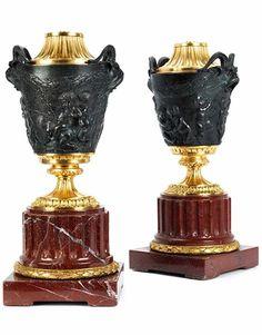 Paar prächtige Bronzevasen als Leuchter Höhe der Vasen: ca. 45 cm. 19. Jahrhundert und später. Ro
